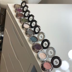 10 Urban Decay Eyeshadows!!!